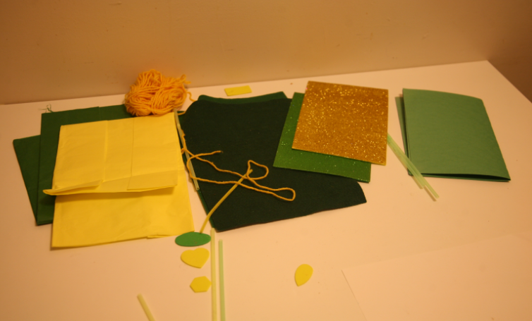 materials for daffodil pictures