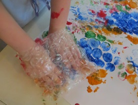 bubble wrap mitten painting